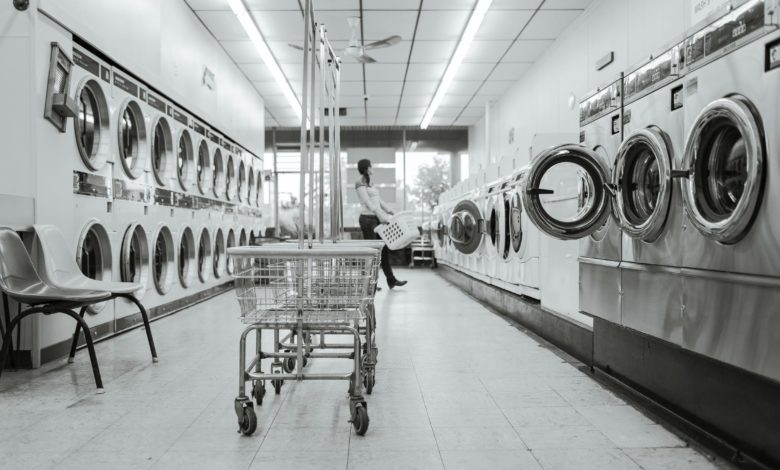 Wash Dirty Laundry In Coin-Operated Machines Conveniently
