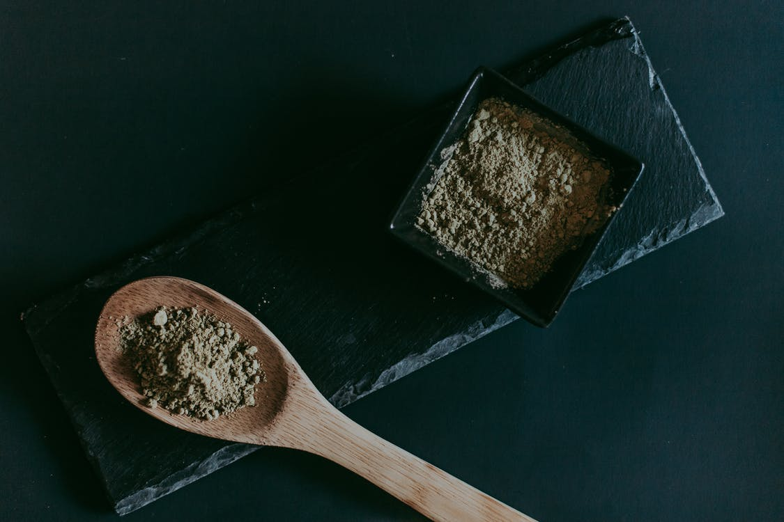 Top 10 Kratom Strains For Women Living With Anxiety